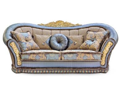 Большой диван с короной и 2 лещётками Беатриче